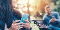 dziewczyna i chłopak na czacie w parku