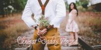 Mężczyzna z romantycznym bukietem kwiatów